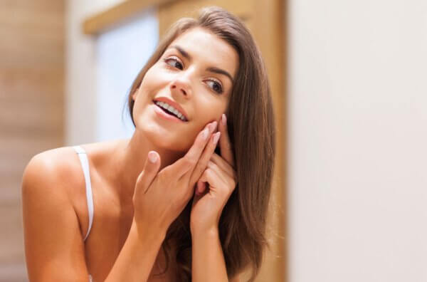 Acne: Causes and Treatments through home remedies